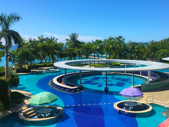 中鵬泳池設備
